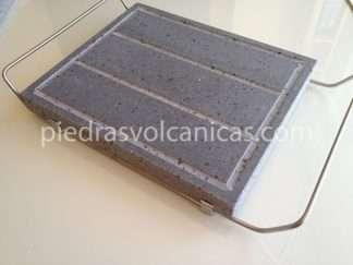 piedras volcanicas para asarIMG 6607 324x243 - Piedra Volcánica Natural para asar 30x25x3cm con soporte
