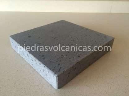 piedra para carne a la piedra 20x20x3 piedrasvolcanicas IMG 4331 416x312 - Piedra volcánica 20x20 3cm para asar carne a la piedra