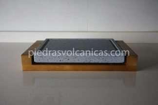 carne a la piedra volcanica 20x20x3 base madera piedrasvolcanicas 324x216 - Piedra para cocinar a la piedra 25x20x3 con base de madera